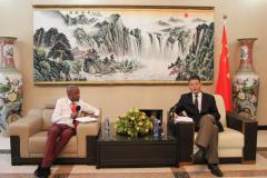 <strong>走近中国驻赞比亚大使,聆听他的故事</strong>