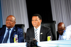 <strong>措格瓦内任民主党主席,博茨瓦纳副总统人选敲定!</strong>
