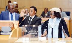 <strong>博茨瓦纳总统马西西公布新内阁名单,副总统措格瓦内宣</strong>