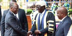 <strong>坦总统为东非共同体的发展献策</strong>
